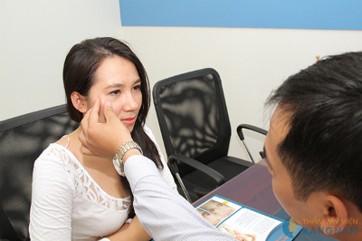 Cách chăm sóc sau cắt mí mắt như thế nào?777