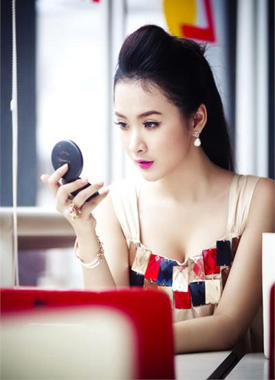 Angela Phương Trinh xinh đẹp hơn nhờ cắt mí 8