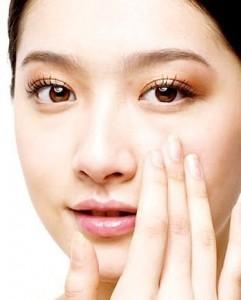 Cắt mí mắt có đau hay để lại sẹo không?