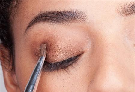 Trang điểm che bọng mắt chỉ trong 5 phút! 2