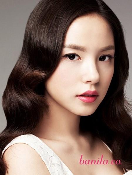 Min Hyo Rin đẹp rạng ngời sau khi thẩm mỹ cắt mí 2