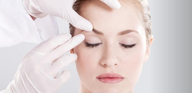 Giải quyết tình trạng sụp mí mắt hiệu quả