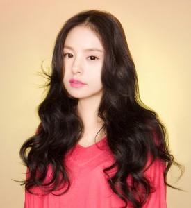 Min Hyo Rin đẹp rạng ngời sau khi cắt mí mắt Hàn Quốc