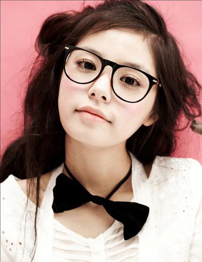 Min Hyo Rin đẹp rạng ngời sau khi thẩm mỹ cắt mí 3