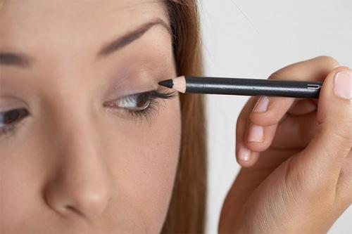 5 mẹo trang điểm cho đôi mắt đẹp tự nhiên3