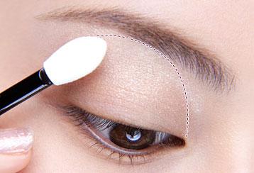 5 mẹo trang điểm cho đôi mắt đẹp tự nhiên4