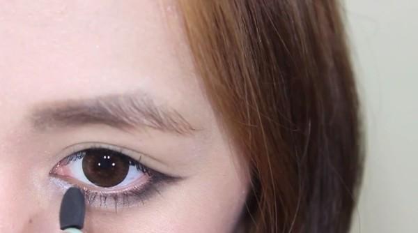 """""""Bí kíp"""" trang điểm tạo bọng mắt lớn đẹp tự nhiên4"""