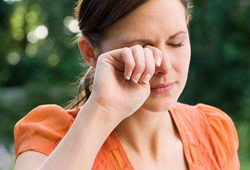 """Chống lão hóa vùng da xung quanh mắt với 7 """"bí kíp"""" độc và lạ2"""