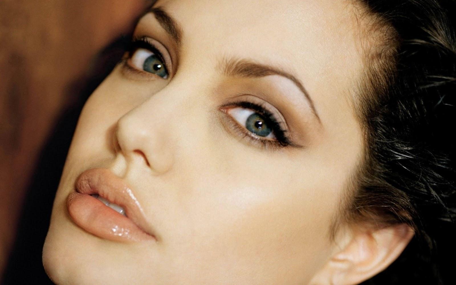 """10 phút mỗi ngày để """"tăng tuổi thọ"""" cho làn da quanh mắt1"""