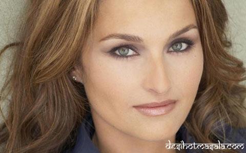 Giada De Laurentii sở hữu đôi mắt đẹp nhất có ánh nhìn trìu mến