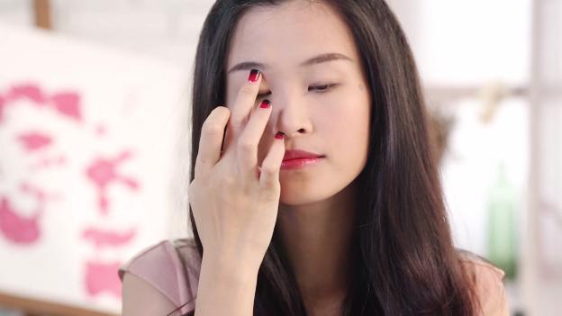 Học Đông Nhi cách trang điểm mắt 3 D đón giáng sinh về1