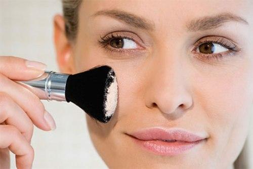 """""""Mẹo"""" make up khắc phục nhược điểm mắt gần nhau dành cho bạn gái2"""
