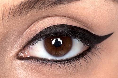 9 bí quyết làm mắt to hơn nhờ nghệ thuật trang điểm tối giản3