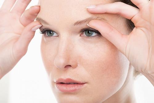 Giải phẫu thẩm mỹ mắt sụp mí có để lại sẹo không?1