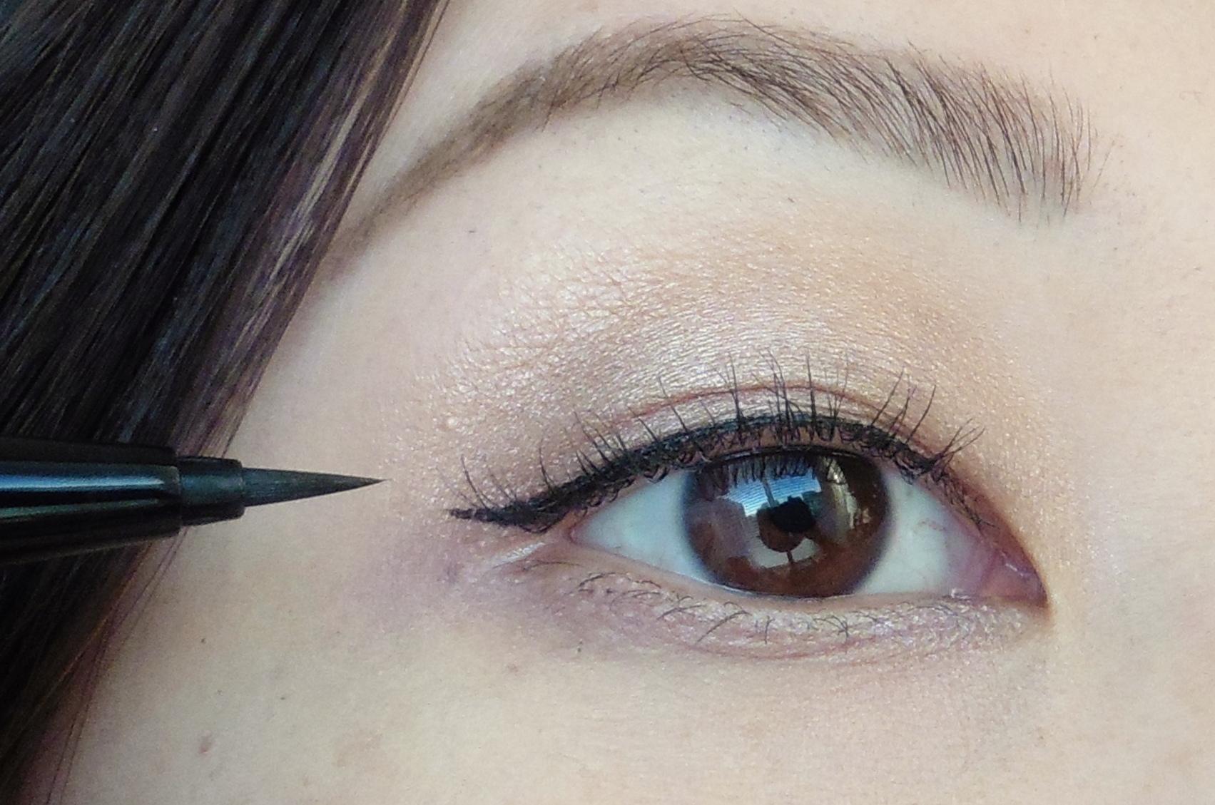 """""""Tiết lộ"""" cách trang điểm che bọng mắt hiệu quả cho chị em6"""