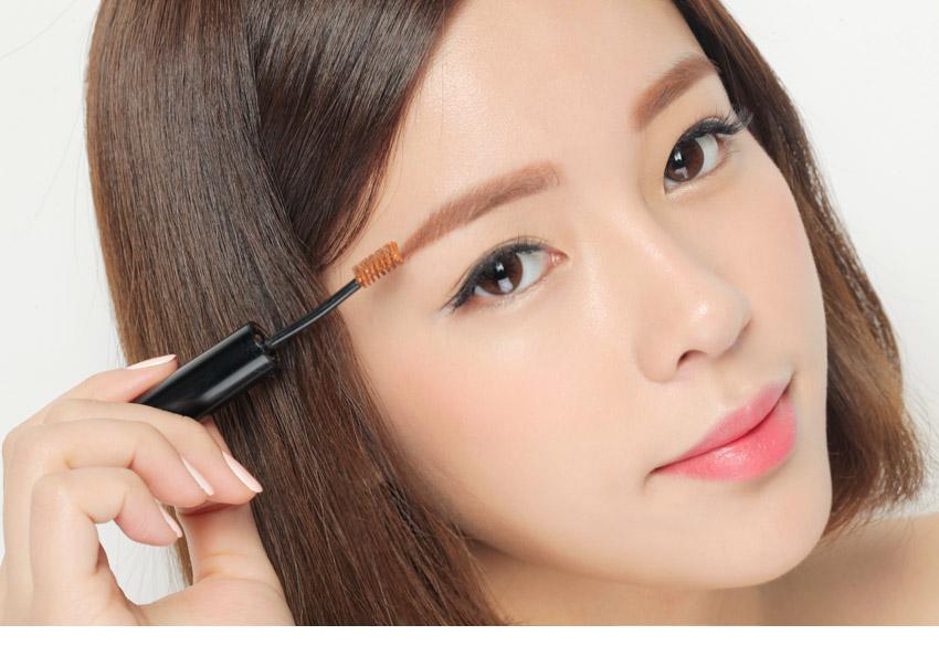 """""""Tiết lộ"""" cách trang điểm che bọng mắt hiệu quả cho chị em7"""