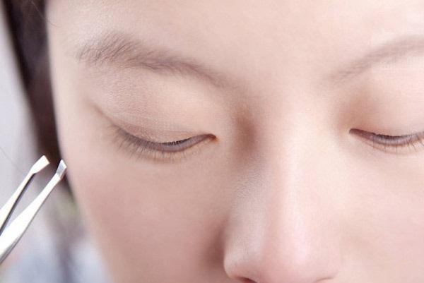 Cách khắc phục mắt nhiều mí cho đôi mắt 2 mí đẹp lung linh888
