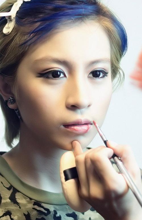 """""""Học lỏm"""" xu hướng trang điểm vẽ mắt đuôi cá hot nhất 20157"""